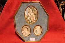(Lot M) Cadre octogonal contenant trois miniatures Diane, Eros, satyre et deux élégantes