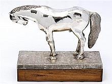 JUAN SORIANO, Horse, Firmada. Fundición en plata .925 en base de madera 12 / 12, 23 x 10 x 10 cm