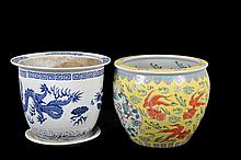 Maceta y pecera. Origen chino. En porcelana. Decoradas con motivos animales, florales, dragones y escenas costumbristas.