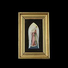 Arcángel músico. Siglo XX. Placa de porcelana policromada pintada a mano. Enmarcada.