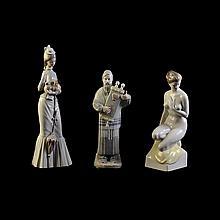 Lote de figuras decorativas. Origen español, húngaro y japonés. Siglo XX Elaboradas en porcelana, una de Lladró y otra Hollóháza.