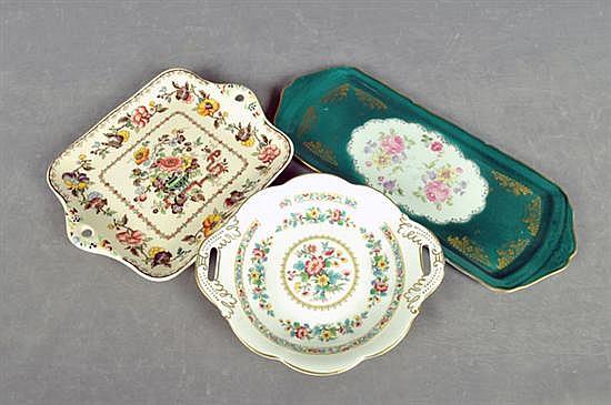 Platones. Elaborados en porcelana Limoges, Coalport y Mason´s. Diferentes tamaños y diseños. Decorados florales. Piezas: 3