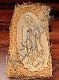 Virgen de Guadalupe. Placa de pasta italiana, en alto relieve. Dimensiones: 40 x 19 cm.