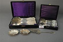 Group of Continental silver to include serving spoons, teaspoons, and open salts, 15.8 t oz.