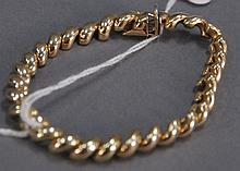 14K gold bracelet, 15.4 grams.