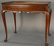 Kittinger Queen Anne style tea table, ht. 26 1/2 in.; lg. 29 in.
