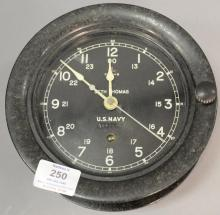 WWII U.S. Navy Seth Thomas GE bakelite ship's clock. dia. 7 1/2
