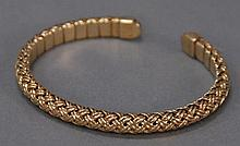 Jean Vitau 18k gold woven flex bracelet signed Jean Vitau, 28.4 grams total weight.