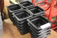 (25) Food Containers