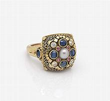 Ring mit Zuchtperle, Diamanten, Saphiren und Rubinen  -  Deutschland, 1950er Jahre
