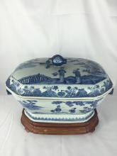 18THC B&W CHINESE PORCELAIN TUREEN