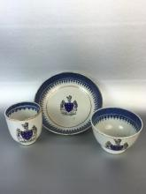 THREE CHINESE EXPORT PORCELAIN CUPS