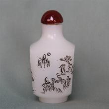 CHINESE PEKING WHITE GLASS SNUFF BOTTLE
