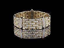 Stunning 18 Kt. Yellow Gold and Diamond Bracelet