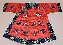 A GOOD 19TH CENTURY CHINESE CHILDS EMBROIDERED SILK JACKET