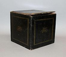 AN EARLY 20TH CENTURY CHINESE BLACK-GROUND GILT-DECORATED SQUARE BOX