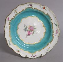 AN 18TH CENTURY CHELSEA DERBY PLATE, painted with