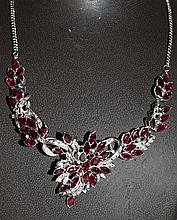 A VERY GOOD RUBY AND DIAMOND NECKLACE set in 18K WHITE GOLD.