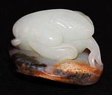 A GOOD QUALITY CHINESE JADE CARVING OF THE THREE-LEGGED TOAD