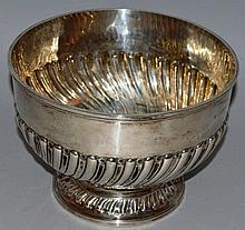 A VICTORIAN CIRCULAR WRYTHEN FLUTED PUNCH BOWL. Lo