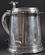 A LARGE GERMAN SILVER LIDDED TANKARD with bold