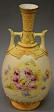 A 19TH CENTURY ROYAL WORCESTER OVOID VASE with mou