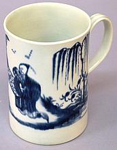 AN 18TH CENTURY WORCESTER MUG, painted in blue wit