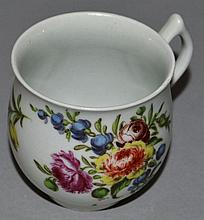 AN 18TH CENTURY WORCESTER BELL SHAPE COFFEE CUP wi