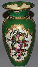 AN 18TH CENTURY WORCESTER VASE painted with fruit