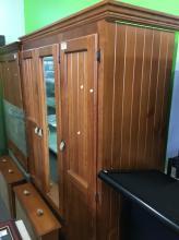 MIRRORED WARDROBE (3 DOORS)