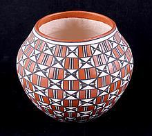 Acoma Pueblo Vase by Antonio This is an original A