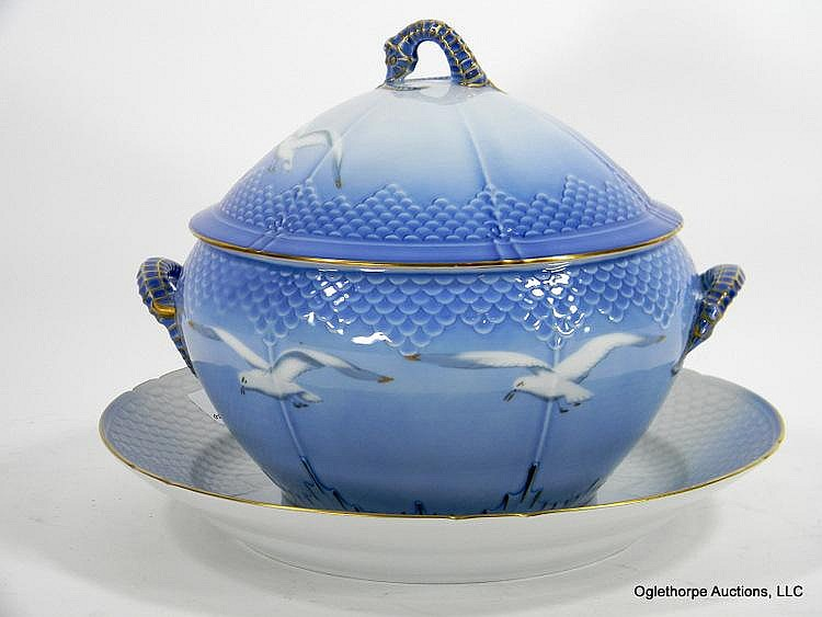 BING AND GRONDAHL TUREEN AND STAND
