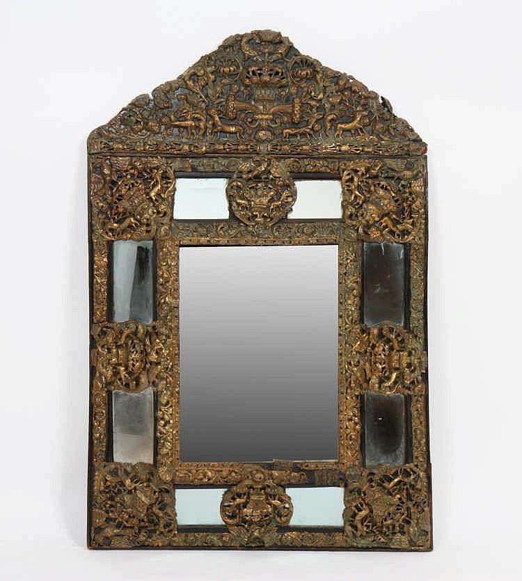 Miroir louis xiv en laiton repouss miroir for Miroir louis xiv