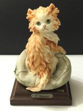 Vintage Signed Giuseppe Armani Playful Cat Figurie