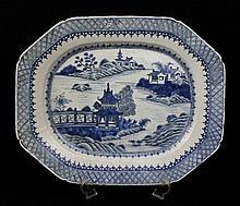 Travessa em porcelana da china, decoração a azul