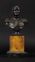 ECOLE FRANÇAISE DU XIXE SIECLE L'Empereur Napoléon 1er en uniforme Buste en bronze sur  socle en marbre jaune H :28 cm