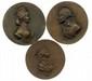 Lot de trois fontes postérieures en bronze de la Convention représentant les portraits de CHARLOTTE CORDAY par Montagny (Ø 75mm et 70mm) et de Jean Paul MARAT (Ø 75mm) TNG XLIV, 4 et 1 T.B. 150/200€ Charlotte Corday alors âgée de 24 ans