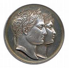 Napoléon 1er mariage avec marie Louise à Paris 1810. Les deux têtes accolées à droite. Andrieu F. R/.Napoléon et Marie Louise vêtus à l'antique, debout près d'un autel allumé. A l'exergue, MDCCCx. Brenet F et Denon D. Essling 1288 ; Bramsen 954