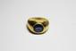 BAGUE en or jaune godroné, ornée d'un saphir de taille ovale en serti clos. Poids brut: 8,1 g TDD: 53