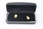 PAIRE DE BOULCES D'OREILLES la monture en or jaune ornée de perles. Poids brut : 6,7 g