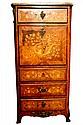 SECRETAIRE A ABATTANT en marqueterie de bois de rose à décor floral, à pan coupé ouvrant par quatre tiroirs en façade. Dessus de marbre. Fin XIXè siècle 140 x 67 x 38 cm