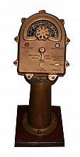 Petit shipburn en bronze de 52 kg, Ht 75cm, larg. 28cm