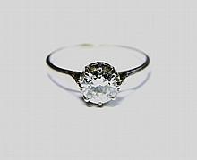 BAGUE en or gris retenant en son centre un diamant de taille brillant d'envrion 0,65 carat. Poid sbrut : 2,5 g TDD : 52