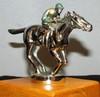 « Jockey au galop », mascotte anglaise, non signée, haut : 90 mm, env : 130 mm.