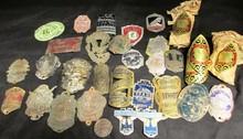 Lot comprenant des badges de vélos.