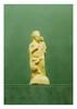 Époque Gréco-romaine.  GROUPE : FEMME et DEUX  ENFANTS.   Terre cuite.  H. 16,5 cm