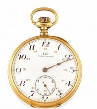 LIP MONTRE DE GOUSSET en or jaune, boitier rond, cadran blanc avec double index chiffres arabes, trotteuse à 6 heures. Dim : 4,5 cm  A yellow gold pocket watch.