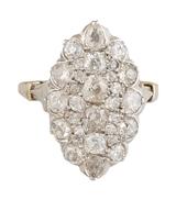BAGUE marquise en or jaune et platine ornée de diamants de taille ancienne.    Poids brut†: 6,7 g    TDD†: 57,5        A YELLOW GOLD, PLATINIUM AND DIAMOND RING.