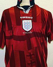 Beckham, David: Signed football shirt