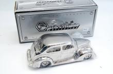 1/24 Scale Platinum Collection 1937 Ford Model Car